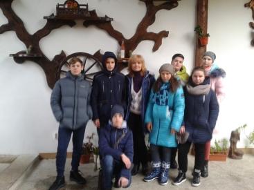 Поїздка на Західну Україну 8 кл.